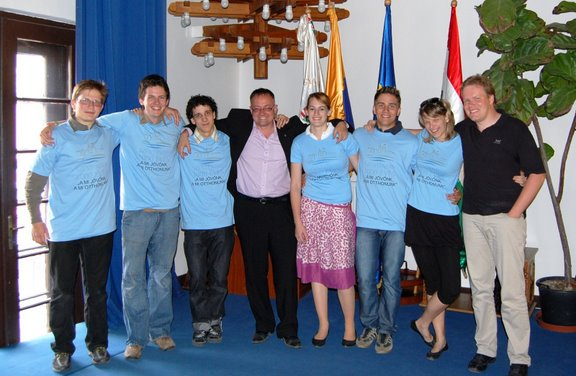 090522 Szentendre Jovo Varos - Dr Dietz Ferenc es a gyoztes Ferenczes Gimnazium csapata
